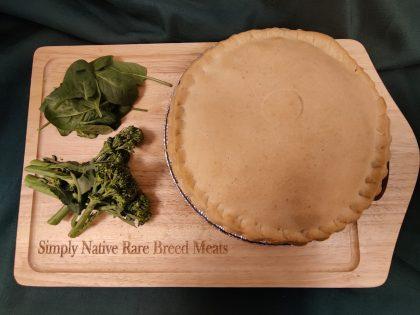 Minced beef & onion gravy large plate pie